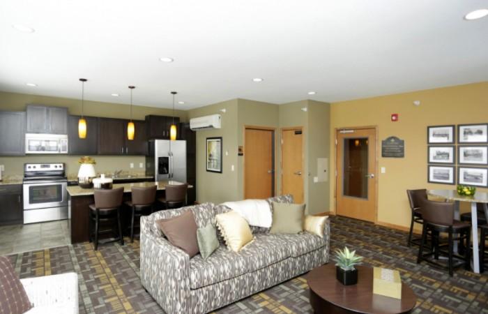 Lyndale Plaza - Clubroom 5