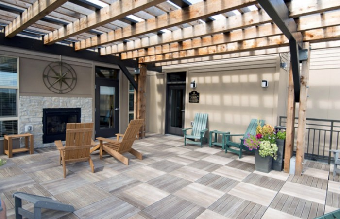 Lyndale Plaza - Patio_Sundeck